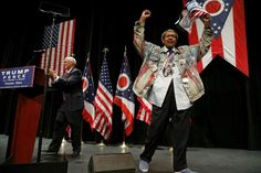 Promoter Don King on stage with Republican vice presidential nominee Mike Pence at a rally with supporters in Toledo, Ohio, on Sept. 21, 2016. (Photo: Jonathan Ernst/Reuters)