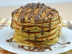 Η Γνήσια Συνταγή για American Pancakes | womanoclock.gr Cheap Clean Eating, Clean Eating Snacks, American Pancakes, Chocolate Chip Pancakes, Homemade Pancakes, Salty Cake, Baking Tins, Savoury Cake, Mini Cakes