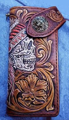 Biker wallet Indian Skull Sheridan floral, hand tooled, hand carved. #leathercarving #tools #wallet