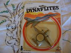 this is a die cast metal airplane made by dyna-flites from zee toys copyright in 1982 made in hong kong jet series still in original package wing span is 3 Vintage Children's Books, Vintage Items, Childhood Toys, Metal Casting, Airplane, Diecast, Hand Carved, Hawkeye, Hong Kong