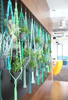 20 DIY Macrame Plant Hanger Patterns | http://www.designrulz.com/design/2015/07/20-diy-macrame-plant-hanger-patterns/
