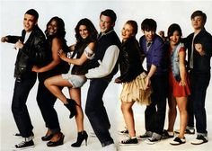 Google Image Result for http://static.tumblr.com/u9dw3qx/72nlhqyph/glee-cast-glee-9252428-600-429.jpeg