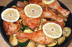 Spanische Hähnchenpfanne mit Kartoffeln und Zucchini