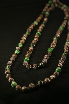 Green glass and silver filigree Vintage necklace (40's)