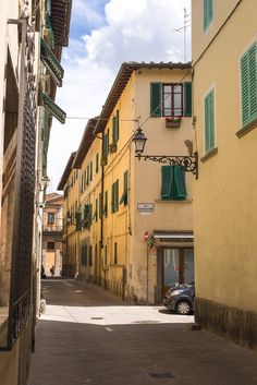 Discover the charming town of Pistoia in Tuscany (Italy). Read my travel guide on www.mondomulia.com
