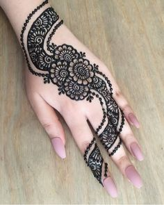 40 Latest mehndi designs to try in 2019 - Celebrations Decor/Ideas & Henna - Hand Henna Designs Arabic Bridal Mehndi Designs, Mehndi Designs Finger, Peacock Mehndi Designs, Mehndi Designs For Girls, Mehndi Designs For Beginners, Modern Mehndi Designs, Mehndi Design Photos, Mehndi Designs For Fingers, Latest Mehndi Designs