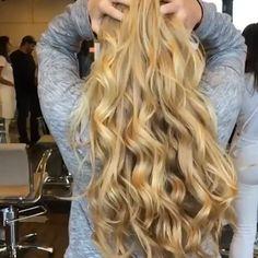 GENTEEEE eu sou uma das 10 participantes do reality show que esta em busca do cabelo mais bonito do Brasil, da @mtvbrasil e #cabelopantene! ✨Estreia dia 20 de janeiro e vocês podem acompanhar tudo pelo Youtube, Tv e outras redes socias, torçam e mandem energias positivas para mim✨