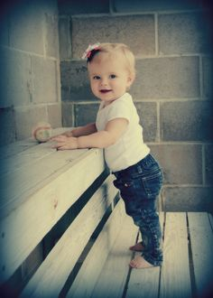 Ava's 1 Year Pictures