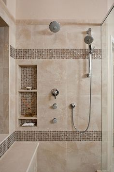 Tiny house bathroom - Looking for small bathroom ideas? Take a look at our pick of the best small bathroom design ideas to inspire you before you start redecorating. Master Bathroom Shower, Small Bathroom With Shower, Shower Niche, Small Bathtub, Bathroom Showers, Taupe Bathroom, 1950s Bathroom, Bathroom Niche, Narrow Bathroom