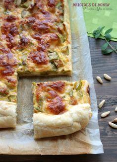 Torta salata di zucchine, speck, cotto e pinoli