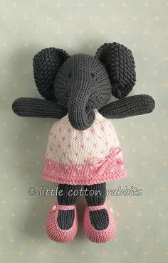 Elodie Knitted Stuffed Animals, Knitted Bunnies, Knitted Animals, Knitted Dolls, Knitting Wool, Knitting For Kids, Baby Knitting, Knitting Patterns, Knitting Ideas