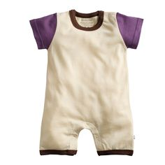 A relaxing soy outfit for your little one's lounge needs:)