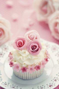 """"""" (via Cupcakes♥Mini cakes) """" Pretty Cupcakes, Beautiful Cupcakes, Yummy Cupcakes, Cupcake Cookies, Cupcake Toppers, Fancy Cakes, Mini Cakes, Cup Cakes, Pink Wedding Cupcakes"""