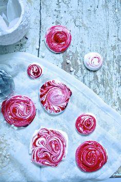 Love and delight - Klisjéhjemmet Candy, Baking, Desserts, Red, Blog, Tailgate Desserts, Deserts, Bakken, Candles