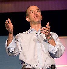 """Jeffrey Preston """"Jeff"""" Bezos (* 12. Januar 1964 in Albuquerque, New Mexico, USA) ist Gründer und Präsident des US-amerikanischen Unternehmens amazon.com."""