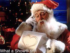 Abbiamo chiesto a Babbo Natale tanta serenità e gioia per voi tutti che ci seguite tutti i giorni. Se non dovesse arrivare, sapete con chi prendervela!  Tanti cari auguri di buon Natale da tutta la What a Show® srl.