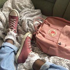 Fjallraven - Kanken Mini Classic Backpack for Everyday Mochila Kanken, Kanken Backpack, Aesthetic Backpack, Peach Aesthetic, Cute Backpacks, Aesthetic Clothes, Vintage Fashion, My Style, How To Wear