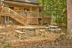 Cozy back yard to Good Vibrations 1-bedroom PigeonForge cabin