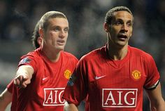 Nemanja Vidic (left) and Rio Ferdinand (right).