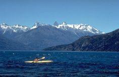 Chubut: es una provincia argentina ubicada al sur del país, en la Región Patagónica (Argentina) o Patagonia, entre los paralelos 42 y 46 de latitud sur, limita al norte con la provincia de Río Negro, al este con el Mar Argentino, al sur con Santa Cruz y al oeste con la República de Chile. Su capital es Rawson, y la ciudad más populosa es Comodoro Rivadavia. Con sus 224.686 km², es la tercera provincia más grande del país, sólo superada por las provincias de Buenos Aires y Santa Cruz.
