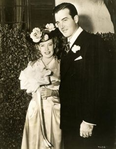 John Payne with his second wife Gloria DeHaven Hollywood Couples, Old Hollywood Stars, Hollywood Actor, Golden Age Of Hollywood, Celebrity Couples, Hollywood Glamour, Celebrity Weddings, Vintage Wedding Photos, Wedding Pics