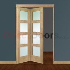Image of Freefold Oak Shaker 4 Pane Style Folding 2 Door Set with Obscure Glass
