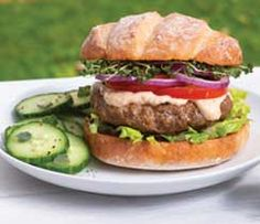 Make it a perfectly balanced plate: Serve with 1 tbsp Big Burger Sauce or BBQ Sauce and 1 cup side salad. Epicure Recipes, Healthy Beef Recipes, Roast Beef Recipes, Onion Recipes, Ground Beef Recipes, Clean Eating Recipes, Big Burgers, Homemade Bagels, Valeur Nutritive
