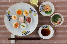 日本の手仕事・暮らしの道具を扱うcotogotoでは「色絵レモンの木 浅鉢・深皿 (九谷青窯・米満麻子)」をご紹介しています。