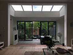 Extension Veranda, House Extension Plans, Living Room White, Home Living Room, Modern Window Design, Skylight Window, Interior Architecture, Interior Design, House Extensions