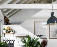 Modern barn style house with waterfront views on Lake Conjola Modern Barn, Modern Farmhouse Style, Farmhouse Design, Converted Barn Homes, Modern Bungalow House, Shed Interior, Timber Cabin, Barn Renovation, Melbourne House