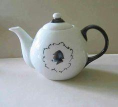 SherLock HoLmes  Tea Pot