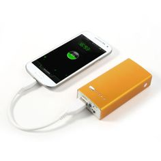 Bateria externa portatil de 5000 mAh para cargar cualquier dispositivo electronico. Precio: 29,95€