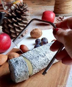 Un plateau de #fromages  de chèvre de Nouvelle-Aquitaine #NouvelleAquitaine Pineau Des Charentes, In Season Produce, Seasonal Recipe