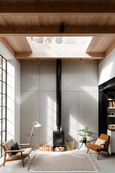 Architect Rupert Svott & Interior Designer Leo Wood Converted gin distillery in White Chapel via The Modern House Contemporary Architecture, Interior Architecture, Australian Architecture, Contemporary Interior, Gin Distillery, Roof Window, Wooden Ceilings, Piece A Vivre, Interior Exterior