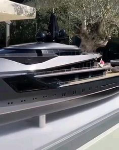 Yatch Boat, Lowrider Trucks, Yacht Party, Luxury Homes Dream Houses, Yacht Design, Super Yachts, Luxury Yachts, Water Crafts, Billionaire