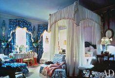 Buatta Ad bedroom