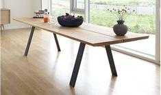 Plank, table salle à manger rectangulaire en chêne massif ou noyer massif, pieds en acier, allonges en option. Meuble scandinave pour salle à manger moderne sur lestudiodescollections.com