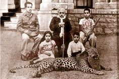 Maharana Bhupal Singhji Mewar with his Family and Hunted Leopard , Udaipur By Rohit Sonkiya Duleep Singh, History Of India, Blue Bloods, Udaipur, Royals, Gun, Old Things, Indian, Firearms