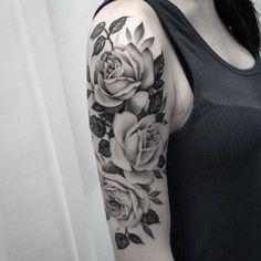 Este lindo rose tattoo http://tatuagens247.blogspot.com/2016/11/50-magnifica-rosa-tatuagens.html