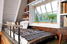 le jour où j'aurai acheté les combles... Lofty Aspirations: Fifteen Lovely Loft Beds | Apartment Therapy