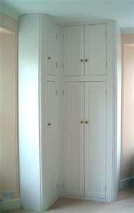 Closet corner storage