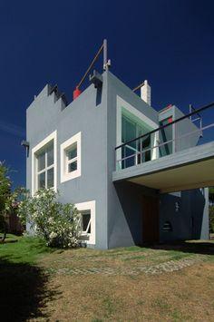 Clorindo Testa, Casa Capotesta, Pinamar Partido, Argentina