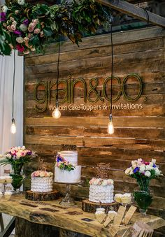 Wedding backdrop pallet signs for 2019 Wedding Expo Booth, Bridal Show Booths, Stage Patisserie, Deco Spa, Vendor Booth, Craft Fair Displays, Booth Displays, Do It Yourself Furniture, Wedding Fair