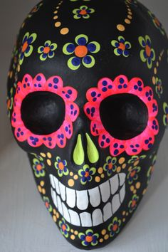 Day of the Dead skull Mexican Skulls, Mexican Folk Art, Sugar Skull Art, Sugar Skulls, Sugar Skull Painting, All Souls Day, Day Of The Dead Skull, Candy Skulls, Skull Decor