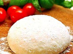 Pizzadeg recept + enkel tomatsås
