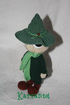 Snusmumriken Crochet Dolls, Knit Crochet, Crochet Hats, Tove Jansson, Ravelry, Craft Projects, Cross Stitch, Sewing, Knitting