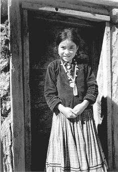 Navajo Girl, Navajo Girl, Canyon de Chelly, Arizona, c. photo by Ansel Adams Native American Children, Native American Photos, Native American History, American Indians, American Girl, Ansel Adams, Portraits Victoriens, Navajo Culture, Straight Photography
