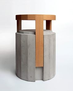 Why Should You Consider Plastic Patio Furniture? Concrete Stool, Concrete Furniture, Concrete Art, Concrete Projects, Concrete Design, Cheap Furniture, Table Furniture, Modern Furniture, Furniture Design