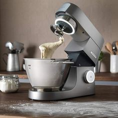 Shortcrust pastry, shortbread pastry with a pastry robot … Our recipes in … – Pastry World Mango Avocado Salsa, Kenwood Titanium, Chicken And Pastry, How To Make Pastry, Best Stand Mixer, Pizza Buns, Best Electric Pressure Cooker, Kitchen Machine, Shortcrust Pastry