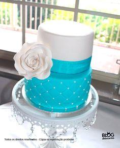 bolo de 2 andares estilo capitone